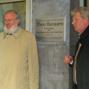 Ortsvereinsvorsitzender Karl-Heinz Walter (rechts) und Werner Burauen